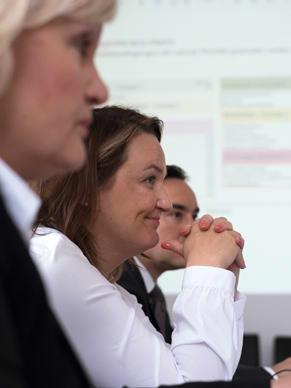 Azubi Befragung Präsentation und Folgeprozess: Das geva-institut liefert Ihnen fundierte Ergebnisse, Analysen und Berichte