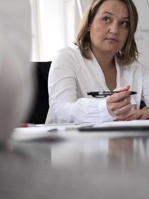 Rollen und Verantwortlichkeiten bei einer Mitarbeiterbefragung durch das geva-institut